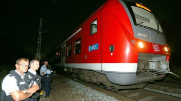 160719011433_germany_axe_attack_640x360_epa_nocredit