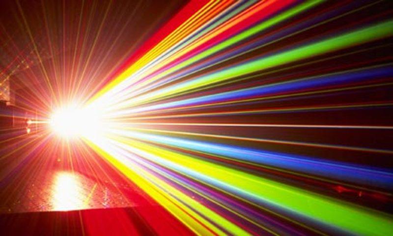 Split-laser-beam-001