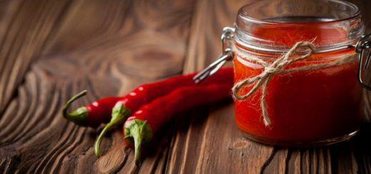 Homemade DIY natural hot chilli sauce sriracha